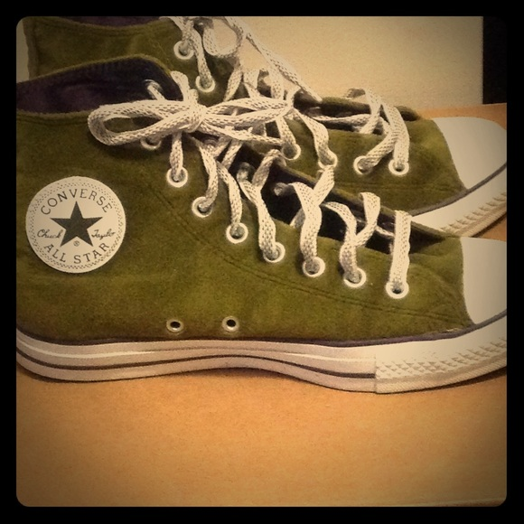 da21d553e3f0e0 Converse Shoes - Women s Vintage All-Star Converse Sneakers size 9